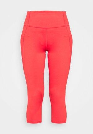 BLACKOUT SIDE POCKET CAPRI - 3/4 sports trousers - rose bush