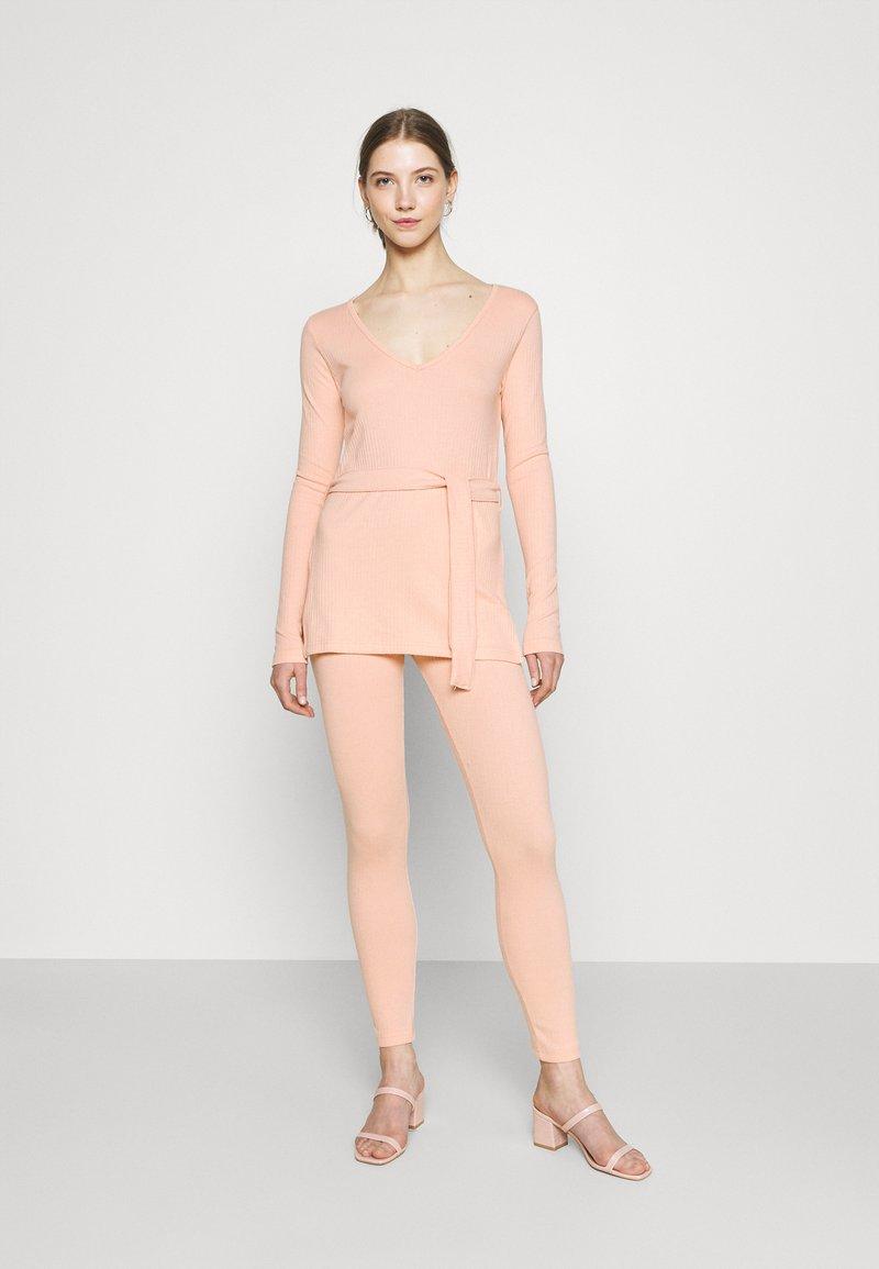 Missguided - TIE WAIST SET - Leggings - Trousers - nude pink