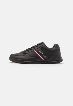 LIGHTWEIGHT - Trainers - black