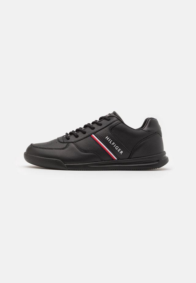 LIGHTWEIGHT - Sneakers - black