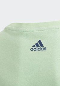 adidas Performance - BADGE OF SPORT T-SHIRT - T-shirt imprimé - green - 2