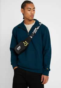 adidas Originals - WAISTBAG - Marsupio - black - 1