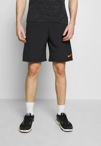 Nike Performance - FLEX SHORT - Korte broeken - black/black/hyper crimson - 0
