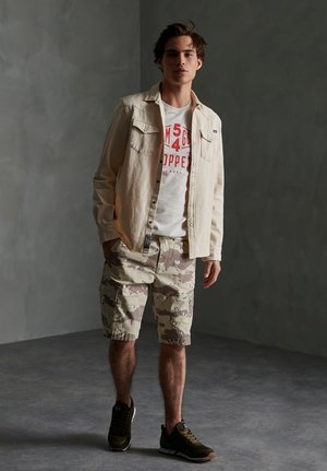Shorts - desert camo