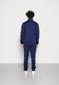 Nike Sportswear - SUIT BASIC - Træningssæt - midnight navy/white - 2