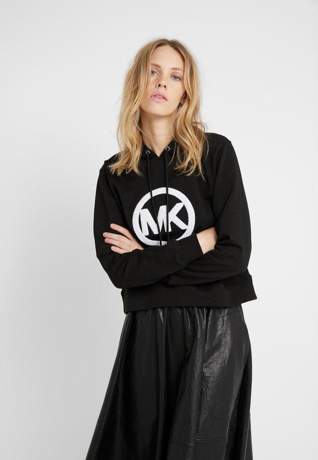 LOGO HOODIE - Bluza z kapturem - black
