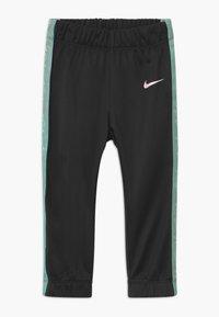 Nike Sportswear - COLORSHIFT TAPING TRICOT SET - Tepláková souprava - black - 2