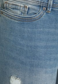 Vero Moda Curve - VMMANYADINA CROPPED - Jeans Skinny Fit - medium blue denim - 6
