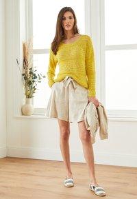 Lounge Nine - LAUREN - Shorts - beige - 3