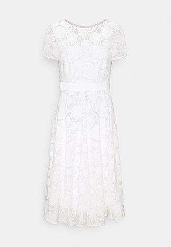 Cocktailklänning - off white