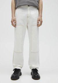 PULL&BEAR - Relaxed fit -farkut - white - 0