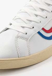 Genesis - G-HELÀ TUMBLED - Matalavartiset tennarit - white/red/blue - 6