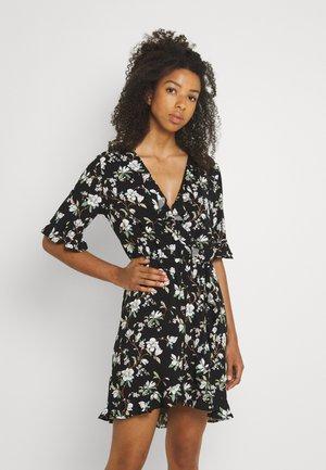 VILANA DITSY FLOUNCE WRAP DRESS - Sukienka letnia - black