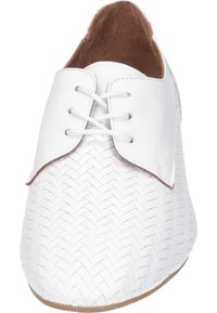 Piazza - Casual lace-ups - weiß - 4