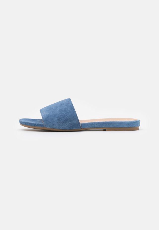 CADIARSIN - Klapki - jeans