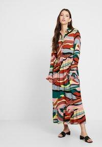 YAS - YASSAVANNA DRESS - Denní šaty - marsala/multi - 2