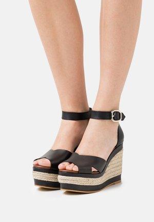 CITRONELLA - Sandály na platformě - black