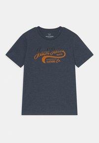 Jack & Jones Junior - JJNICK TEE CREW NECK JR - T-Shirt print - navy blazer - 0