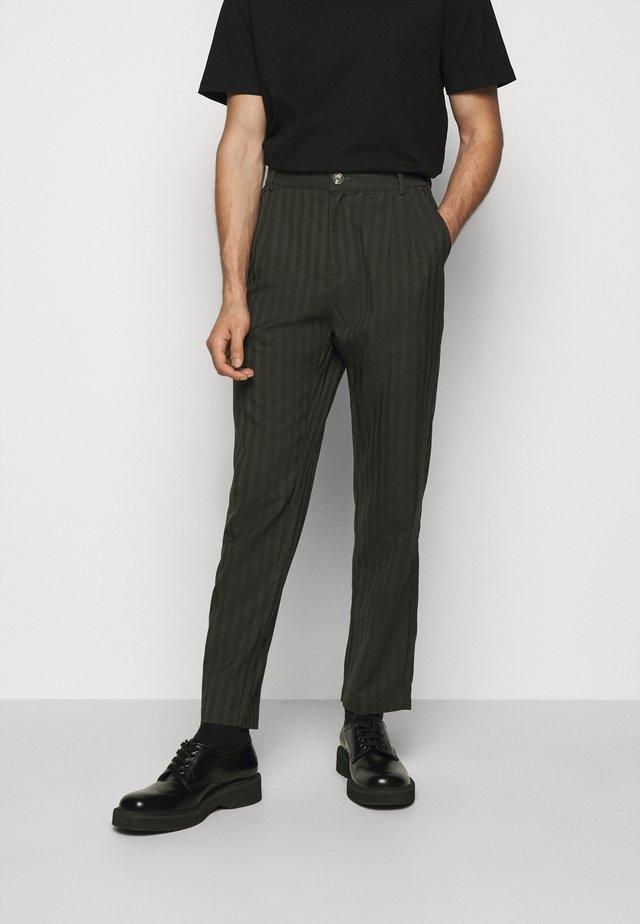 TROUSERS - Pantaloni - green stripe