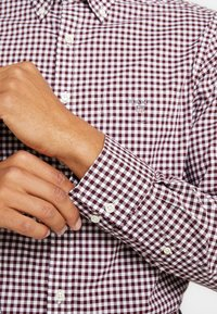 GANT - THE BROADCLOTH GINGHAM - Shirt - port red - 5