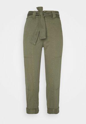 TROUSER - Spodnie materiałowe - khaki