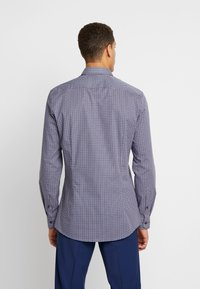 OLYMP - OLYMP NO.6 SUPER SLIM FIT  - Formal shirt - rot - 2