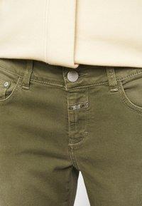 CLOSED - BAKER - Jean slim - green umber - 5