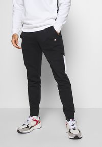 Champion - LEGACY MODULAR BLOCKING CUFF PANTS - Jogginghose - black - 0