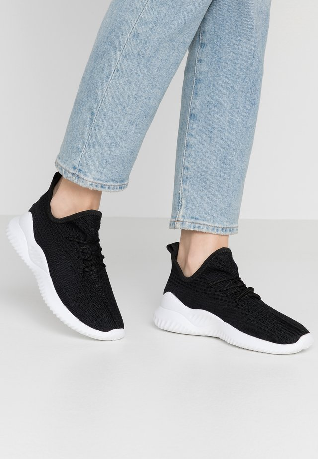 LYDIA SOCK TRAINER - Sneakers laag - black