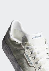 adidas Originals - 3MC VULCANIZED SHOES - Matalavartiset tennarit - white - 6