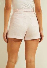 Guess - Shorts - rose - 2