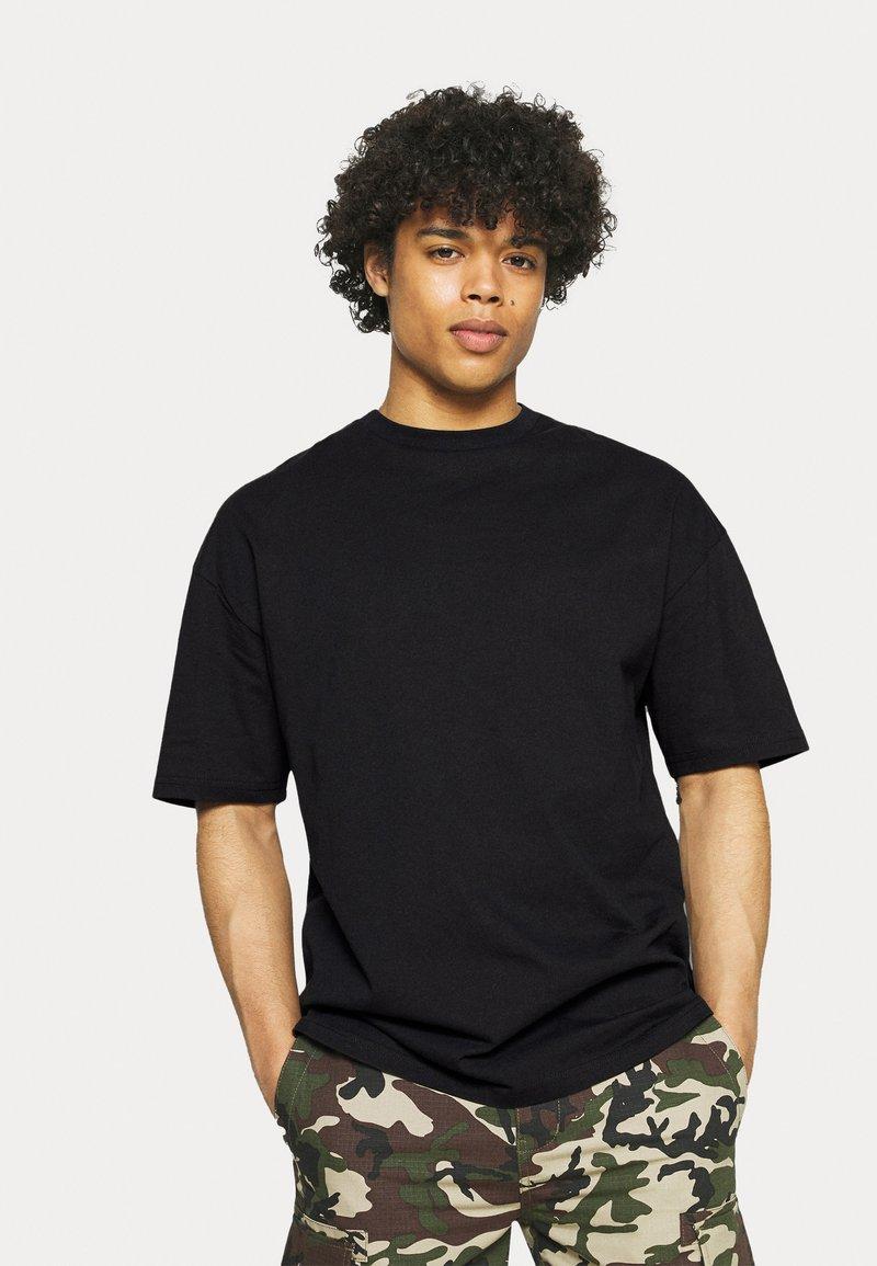 9N1M SENSE - SHANGRI LA BUTTERFLY UNISEX - Print T-shirt - black