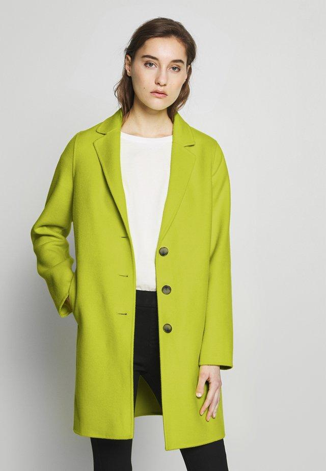DOUBLE FACE COAT - Krótki płaszcz - neon yellow