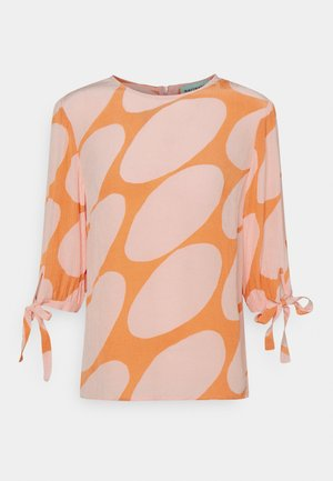 HENNON LINSSI - Long sleeved top - coral/pink