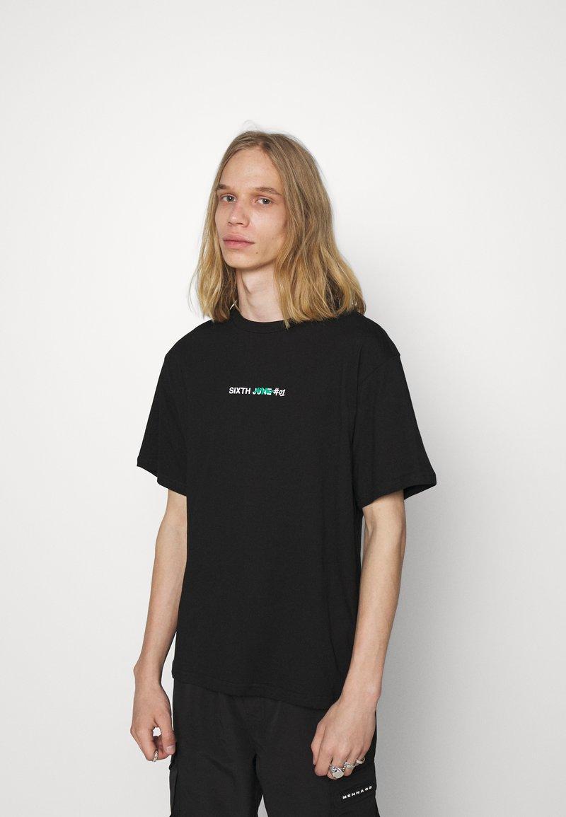 Sixth June - GRAFFITI HOODIE TEE - Print T-shirt - black