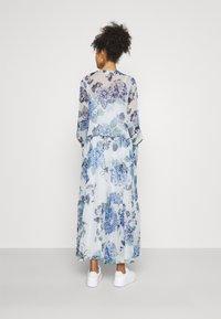 Vila - VIVIOLA O-NECK ANKLE  DRESS - Vestido de cóctel - cloud dancer/blue - 2