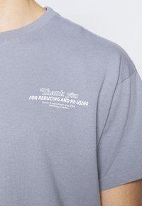 Dr.Denim - TROOPER TEE - Print T-shirt - shark - 4