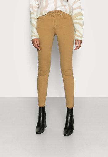 ONLBLUSH LIFE - Trousers - toasted coconut