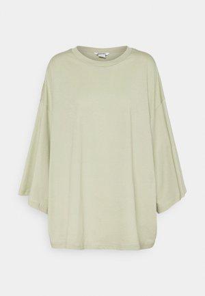 BILLA TEE - T-shirts - green dusty light