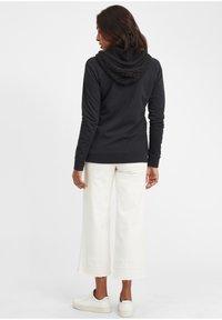 Oxmo - MATILDA - Zip-up hoodie - black - 4