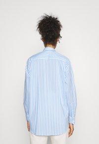 Lacoste - Button-down blouse - nattier blue/white - 2