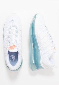 Nike Sportswear - MX-720-818 - Tenisky - white/indigo fog/pure platinum/hyper crimson - 1