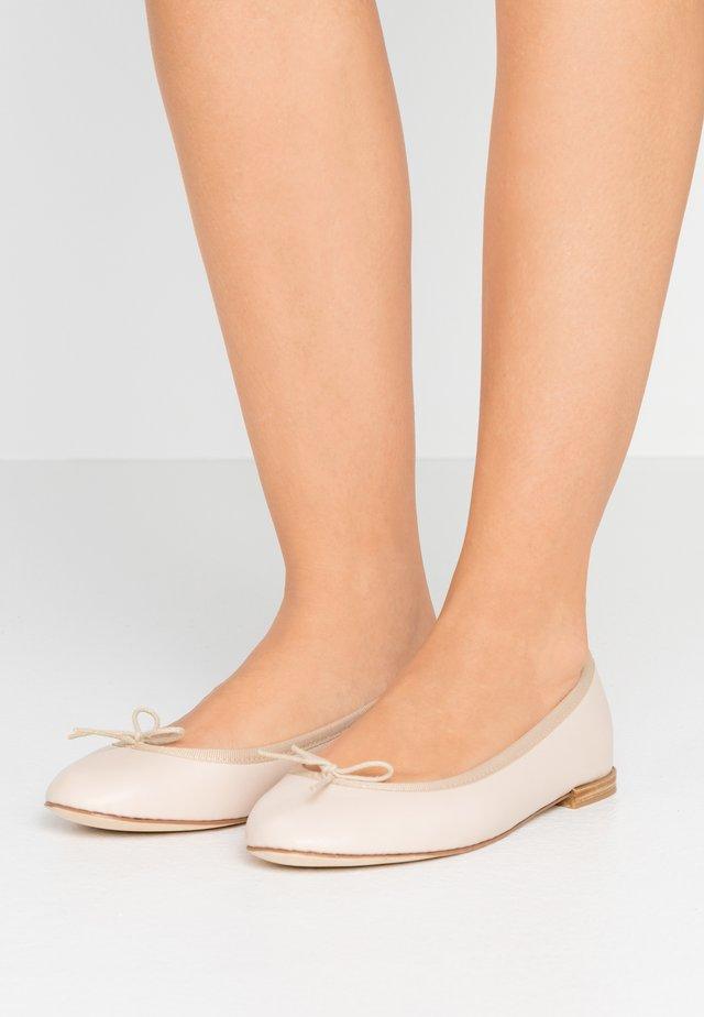 CENDRILLON - Bailarinas - beige