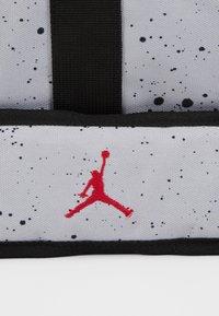 Jordan - DUFFLE - Sportovní taška - wolf grey - 6