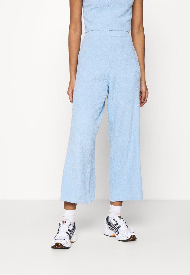 CALAH TROUSERS - Pantalones - blue light