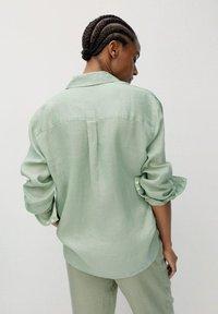 Mango - Button-down blouse - grün - 2