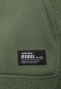 Redefined Rebel - ELMER  - Fleecejacka - thyme - 2