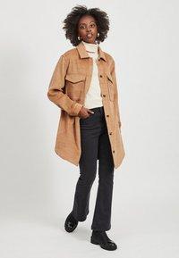 Object - Classic coat - chipmunk - 1