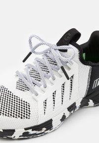 Inov-8 - F-LITE G 300 - Sports shoes - white/black - 5