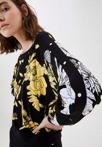 LIU JO - WITH PRINT - Sweatshirt - black - 3